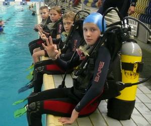 """Занятия детей дайвингу в Детско-юношеской школе подводного спорта клуба """"Балтика"""""""