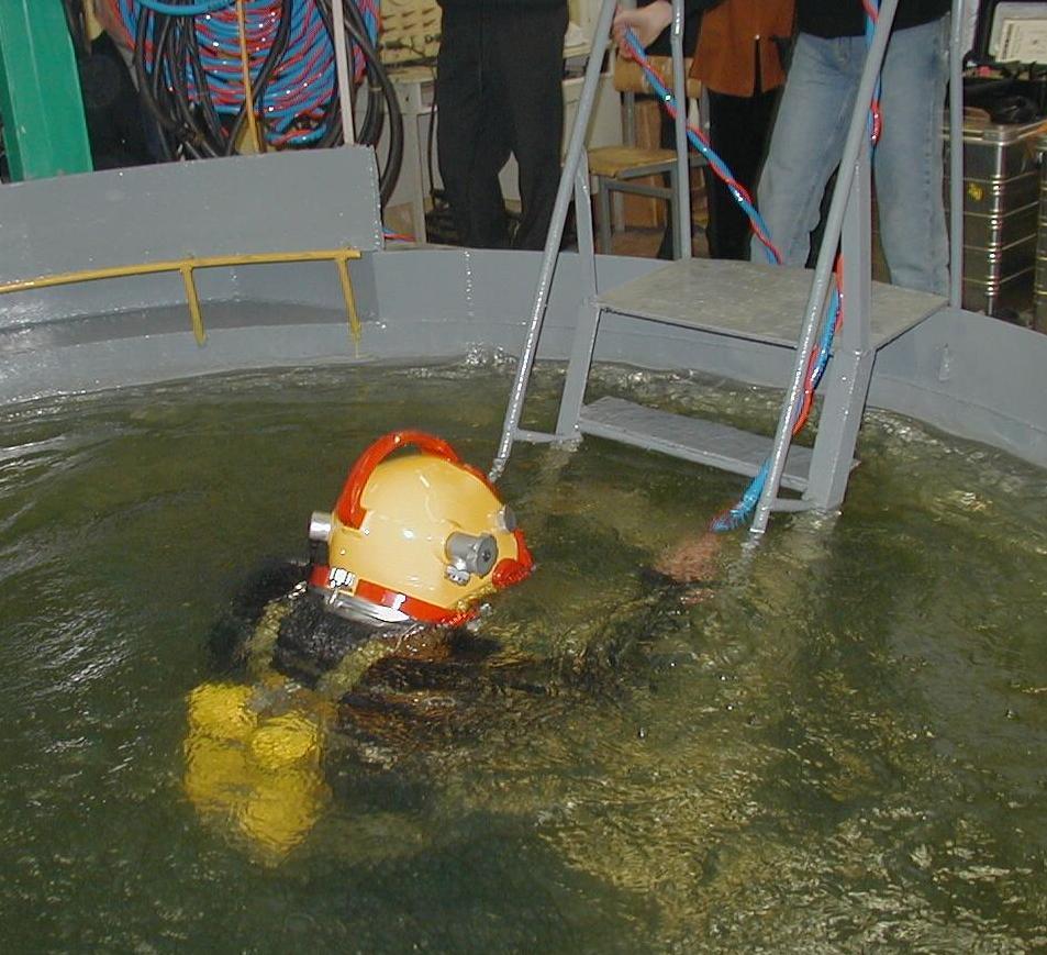 Погружения в процессе учебных сборов в бассейне МАПО.